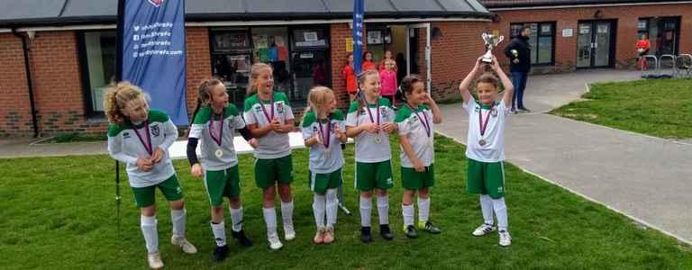 BOGNOR REGIS TOWN U11 GIRLS FC team photo
