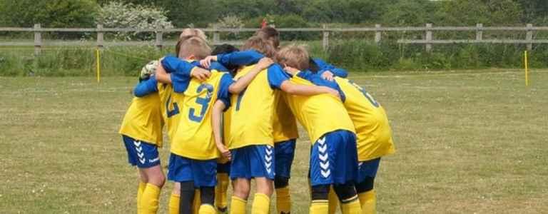 Felpham Colts U10 Yellow - Football team photo