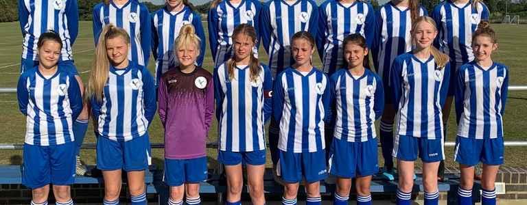 Flitwick Eagles Girls team photo