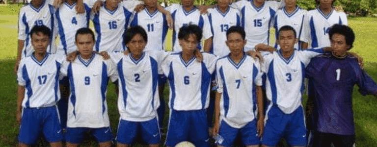 Fly Wheel FC team photo