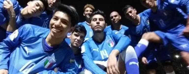 Italia team photo