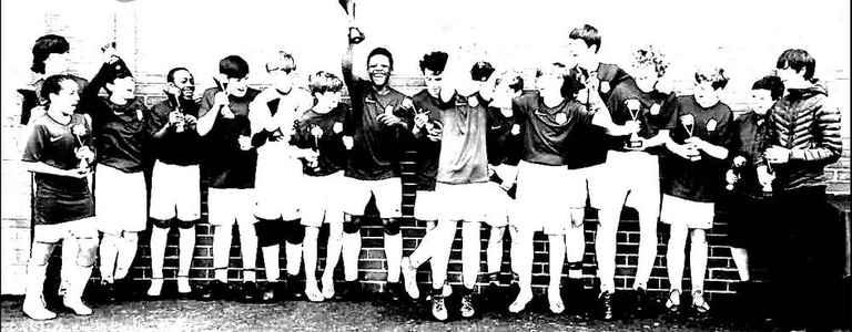 L4 Football Club U16's team photo