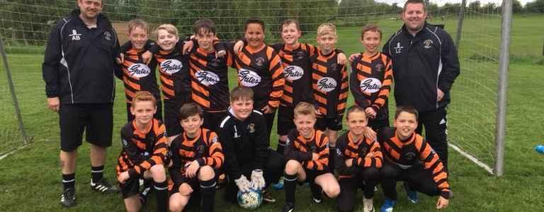 Roach Dynamos Green RD62 team photo