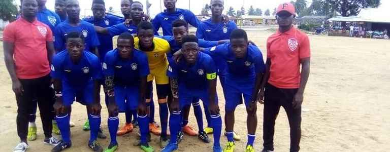 Roundus Football Club team photo