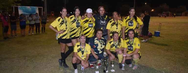 United - Adult team photo